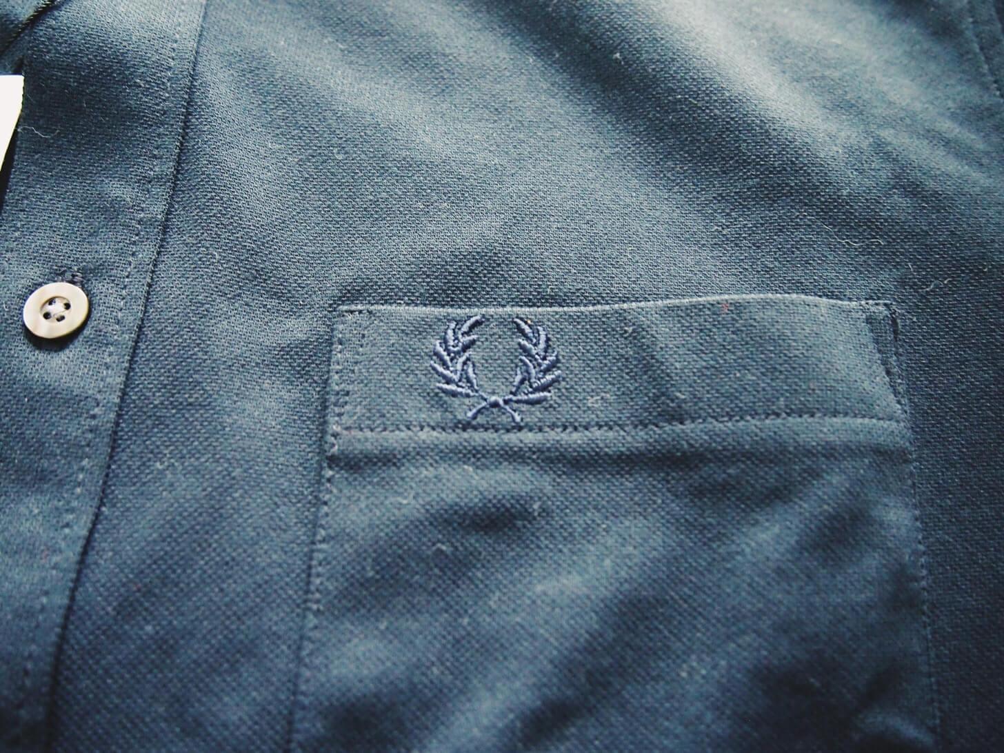 フレッドペリーのポロシャツ(ネイビー)-2
