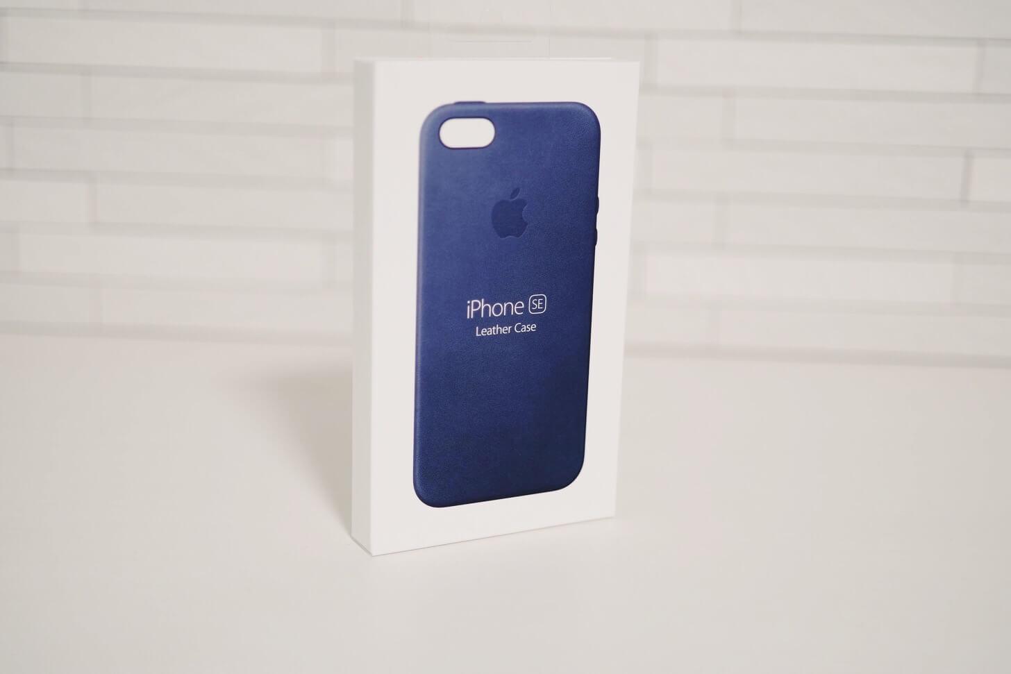 iPhone SEの純正レザーケース