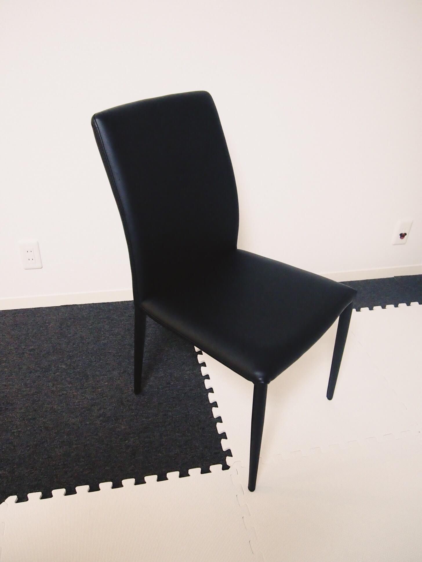 モーダエンカーサの椅子-1